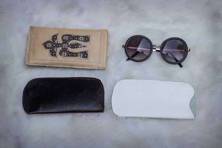 Borjúbőr szemüvegtokok, motívummal díszített dupla bőr szemüvegtok