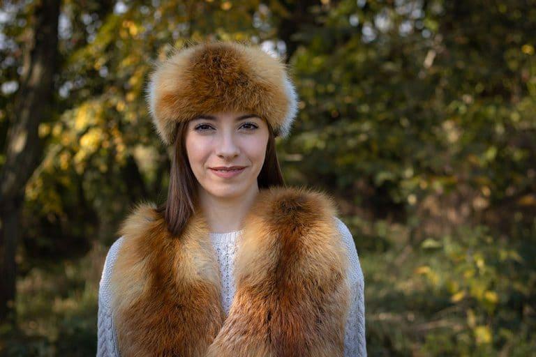 """Vörös róka szőrme fejpánt, báránybőr és vörösróka kombinációjú, alakot kiemelő, káprázatos szőrme mellény """"Victoria"""""""
